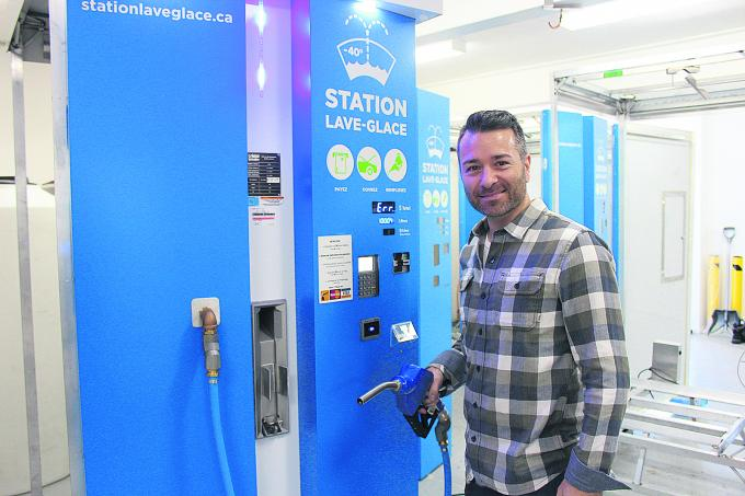 Pierre Néron, fondateur de l'entreprise Cristal Innovation, est l'inventeur d'une station de lave-glace. (Photo : Frédéric Khalkhal)