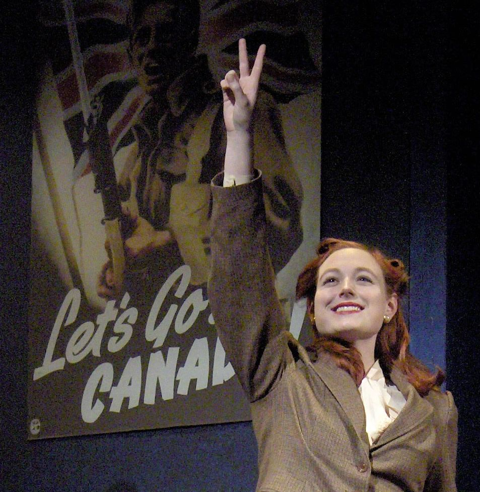 """Amanda as """"Janet"""" in the 4-hander play WAITING FOR THE PARADE"""