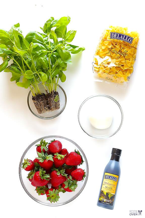 5-Ingredient-Strawberry-Caprese-Salad-1.jpg