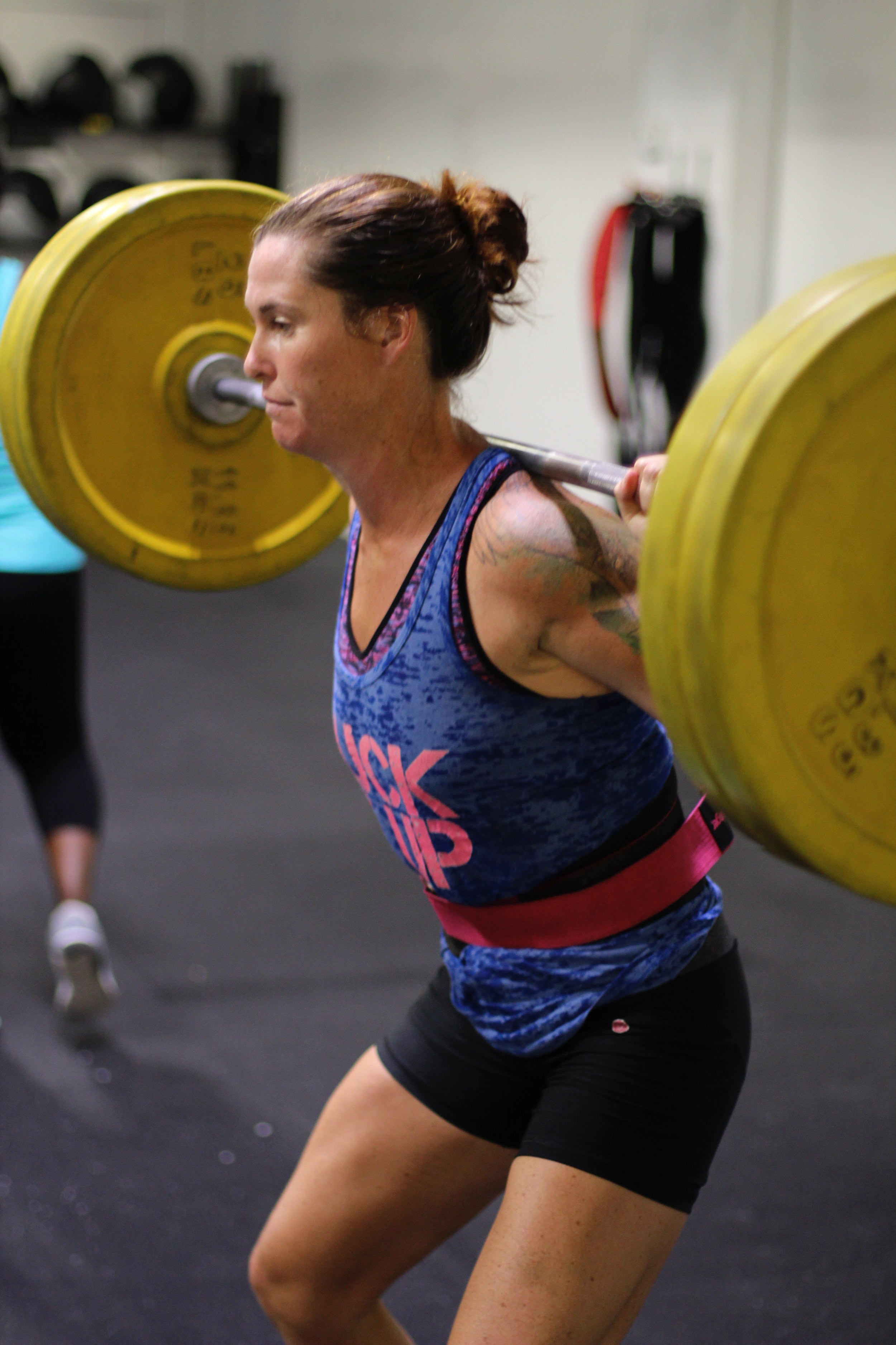 Coach Lauren getting in on the back squat gains during WEEK FOUR of our Strength Cycle!
