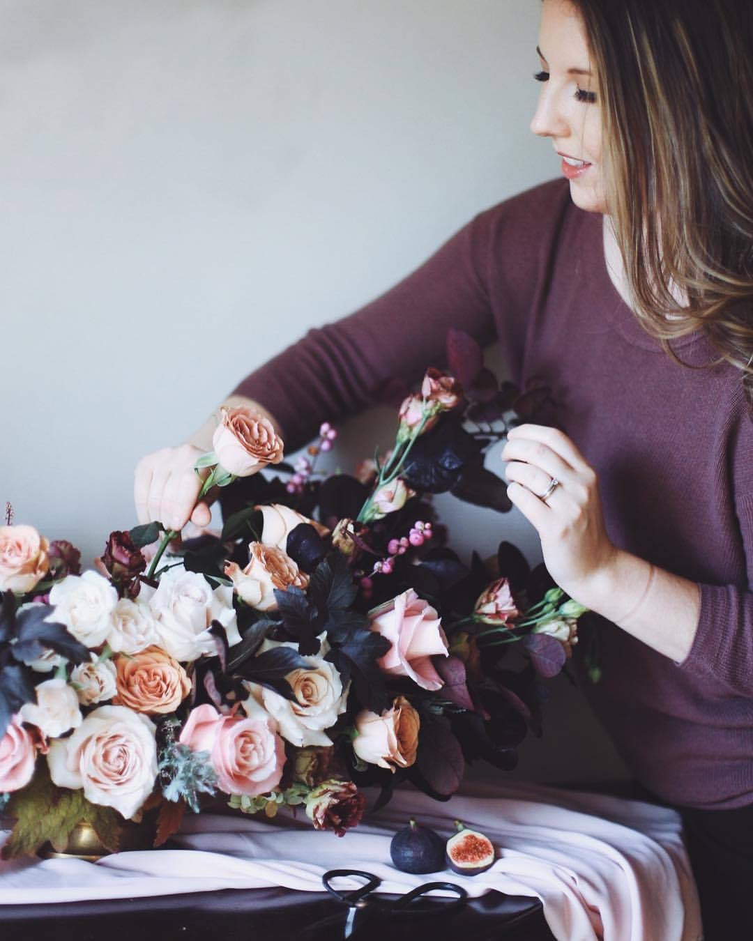 Hi there! - I'm Cristina! I'm a floral designer from St-Lazare, QC, and I am hopelessly in love with flowers. My specialty is crafting florals for intimate weddings and events that have a refined yet gardenesque aesthetic. I take a very personalized approach to floral design and love to work closely with my clients, while keeping the process simple and relaxed. Can't wait to grab a coffee and hear all about your dream wedding!