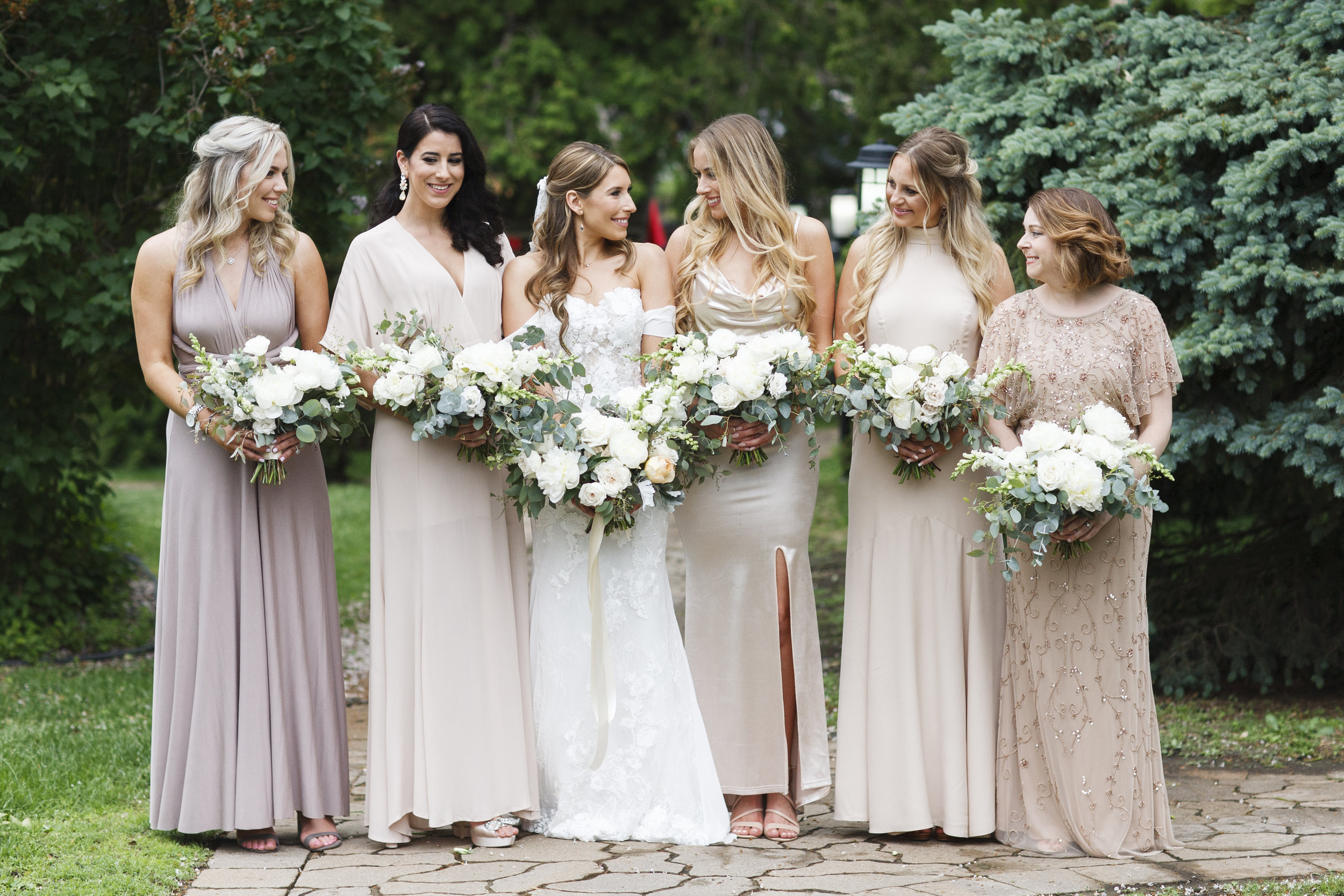 Aley + Scott | Snapdragons & Anike Garden Roses in a Bouquet
