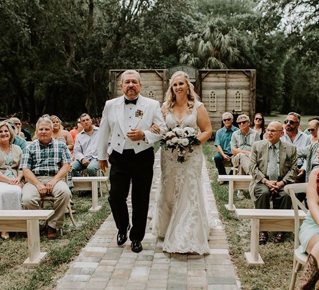The McClain DePriest wedding, classic and breathtaking ✨🌿 #Repost @giocreativefl ・・・ Second shooters are great when I can't be in two places at once! Thanks for grabbing that different angle @aislinnmalayter_photo 😉
