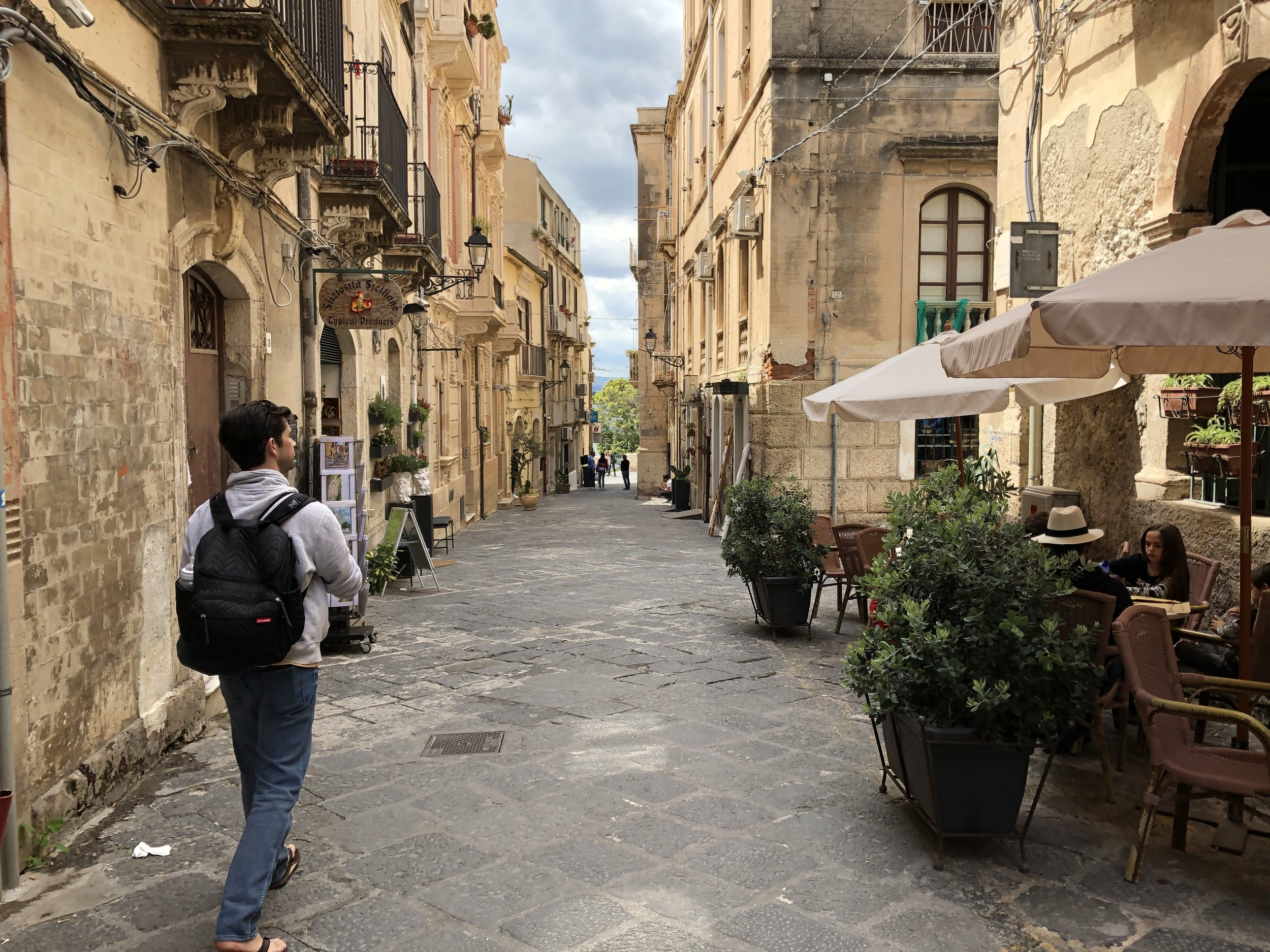 Narrow streets in Siracusa