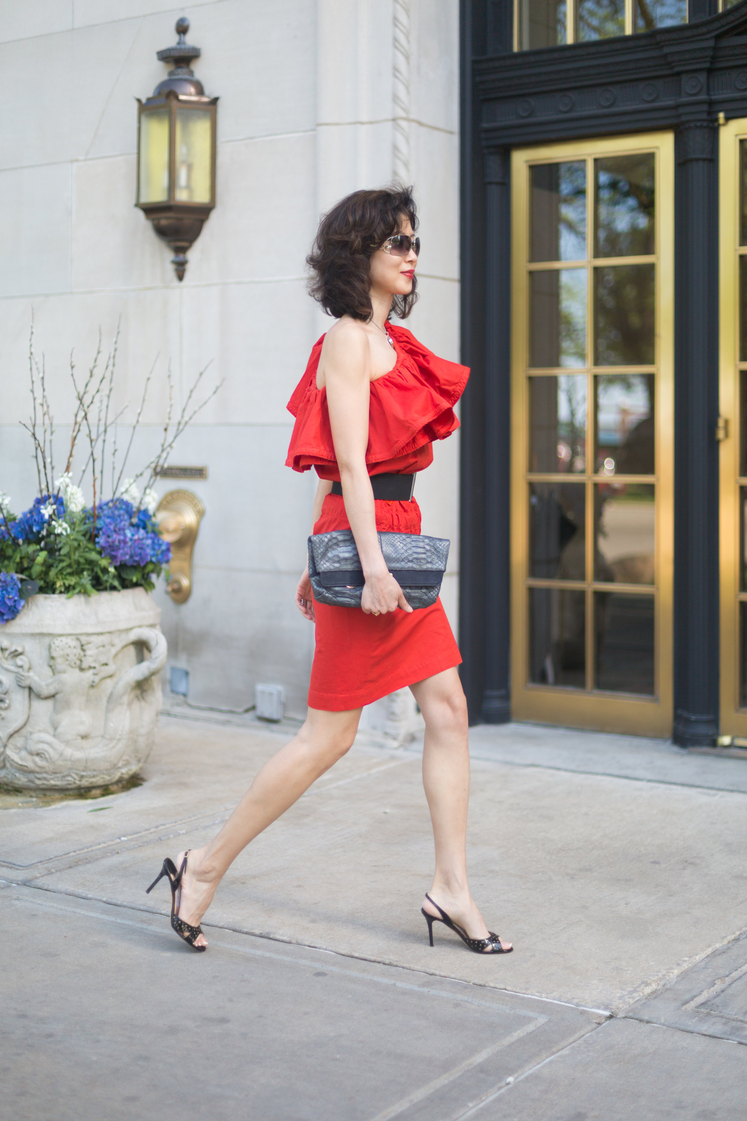 Shop my look and similar items here//  Dress:  Lanvin (similar  option  here)  Clutch: Lanvin sold out (similar  option  here)  Sandles: Jimmy Choo sold out (Similar  splurge option  here and  steal option  here)