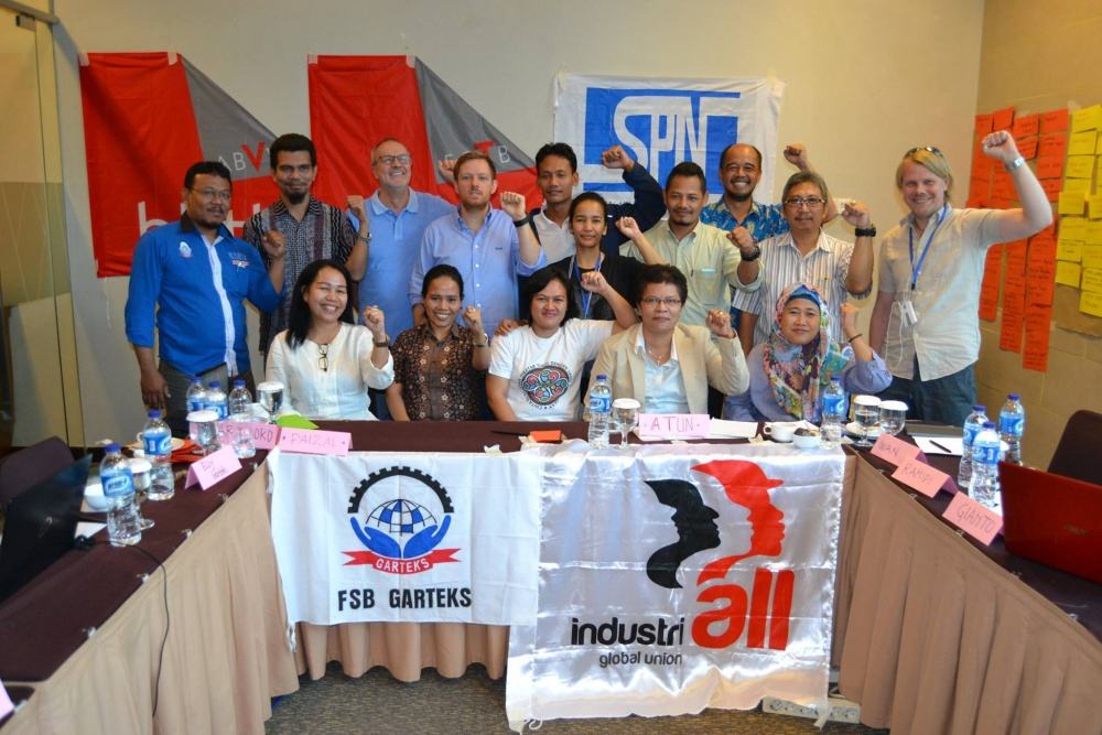 Unionists organising against exploitation of Indonesian garment workers by Australian companies. Credit: Industriall