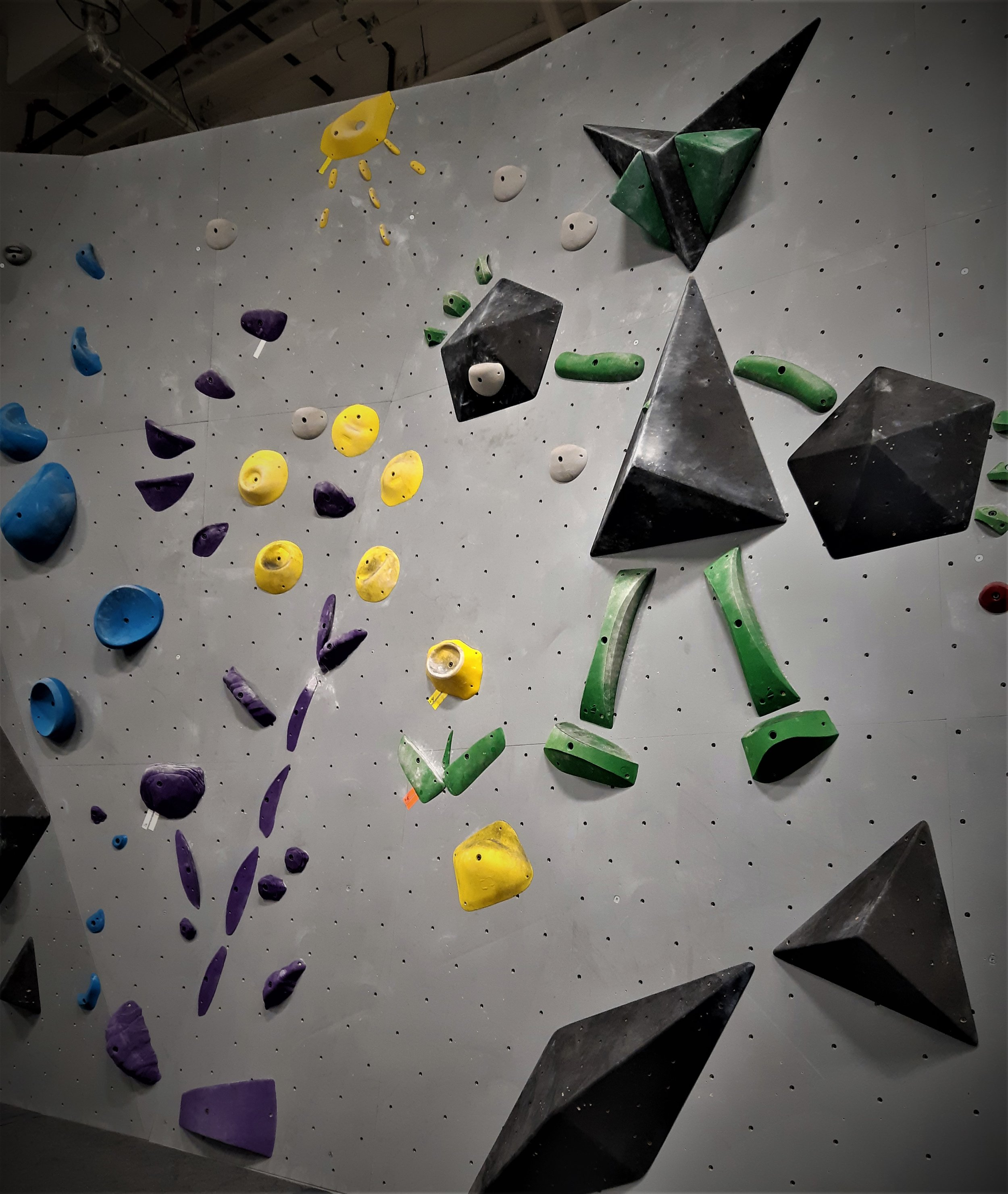 BLOCS is an Edmonton-based boulder gym founded on a passion for climbing with a goal to grow and give back to its community.