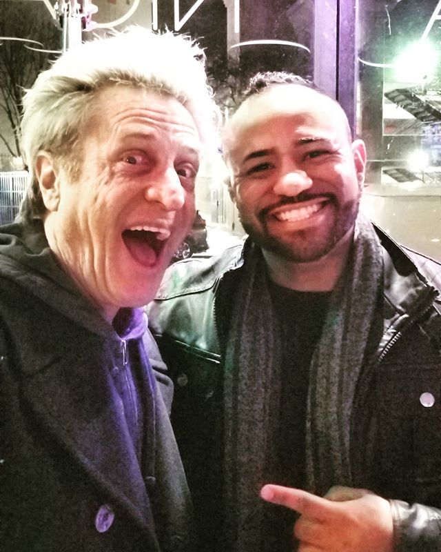 This was definitely a blessing and surprise for me for sure. Show up to my gig and boom... legendary bass player 🐐 Ross Valory from literally one of my all time favorite bands @journeymusicofficial !! 😯 did I freak out... no... (well maybe a lil) LOL but dude, he is the 1 of 2 original members left! And I was able to meet @nealandmichaeleschon not even a few wks prior... if only they  knew how many times I listened and played along to their records 😁. 2019 is starting to look pretty good... 🙏🏽 #blessed #positivevibes #inmyelement #journey #nealschon #rossvalory #legends #inspiration #rockstars #oneday #sanfrancisco #pearl_drums #drummer #percussionist #pearl_drums #pearlpercussion #zildjiancymbals #zildjianfamily #myzildjian #promarkbydaddario #evansdrumheads #cympad #gatorcases #kickport #2019