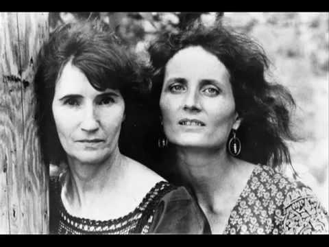 Hazel Dickens (left) and Alice Gerrard