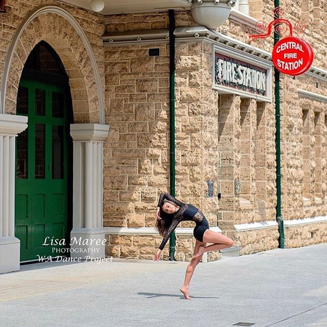 💃🏼🤸🏼♂️ These beautiful dancers are showing us how to dance like no body is watching, all around our Historic Heart for the WA Dance Project. @lisamareephotography2018 has captured them oh so perfectly.