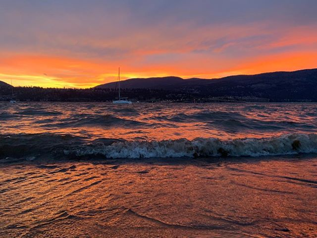 A true Okanogan sunset happening right now. #okyachtlife