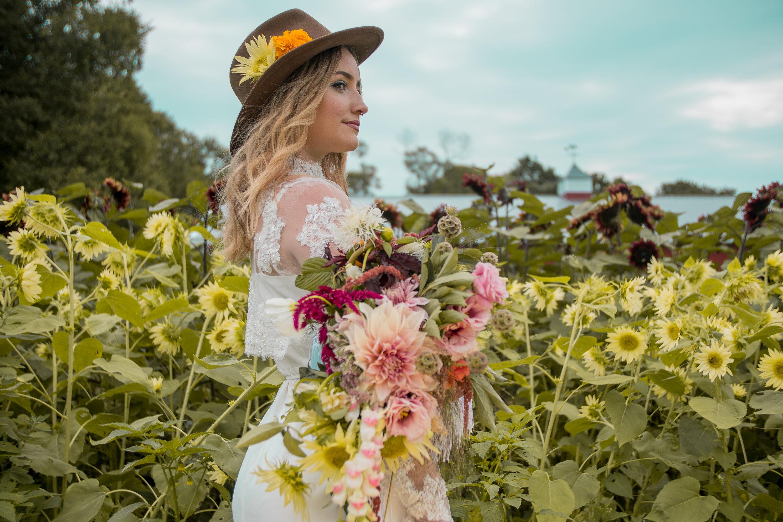 lazaro floral (31 of 47).jpg
