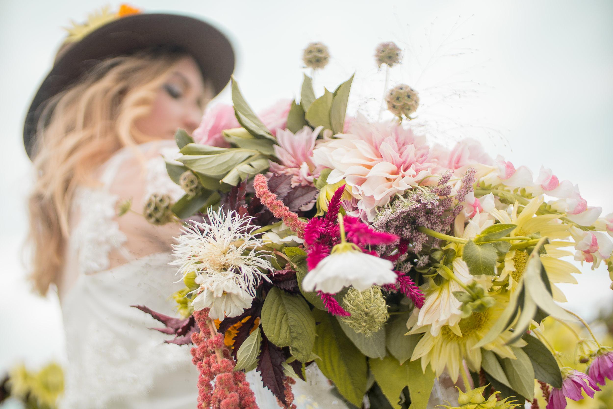 lazaro floral (32 of 47).jpg