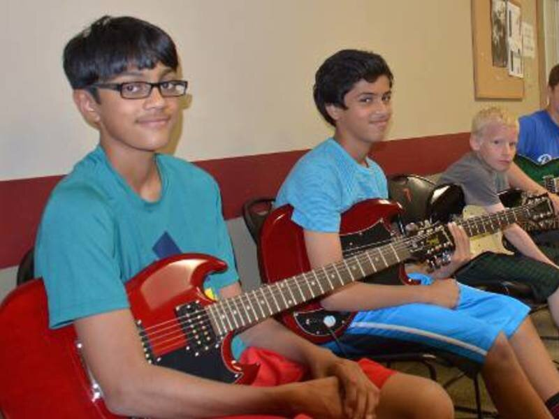Small Group Guitar Classes - Monday session: 10:15am taught weeklyTuesday session: 10:15am taught weeklyHour long group guitar classes limited to 3 students per class.Small classes means more focused instruction!Providing individual and group attention in each class.Electric guitar provided during each class!Grouped by age (5-6 yrs) (7-9 yrs) (10-14 yrs)Opportunity to perform in school recital in DecemberCost $100 per month per student (Weekly 1 hour classes each month)$20 deposit to reserve space for your student.