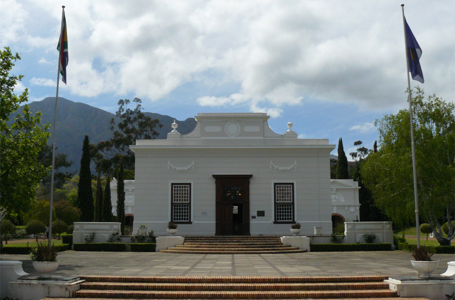 A road trip to the winelands: exploring Franschhoek and beyond | From wine farms, gourmet food and charm to French history, this small town a short drive from Cape Town is a great choice when travelling in South Africa | www.wishlistsandwanderings.com