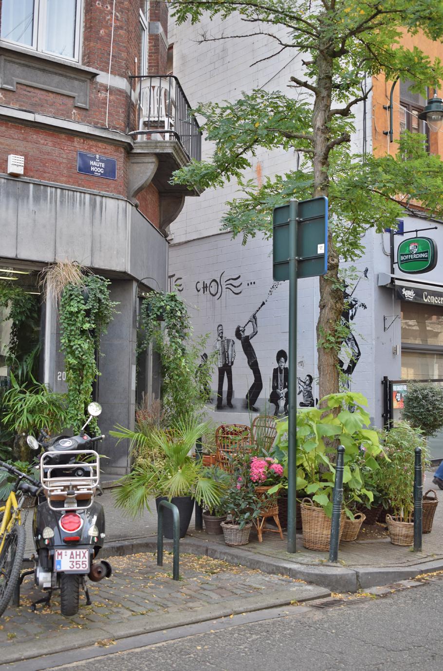 Brussels street art Rue Haute