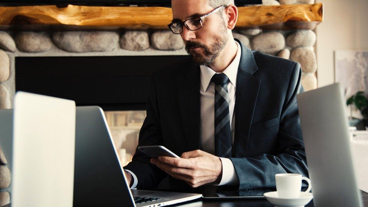 Arbeitsplatzbrille, wann zahlt der Arbeitgeber - Bild 1.jpg