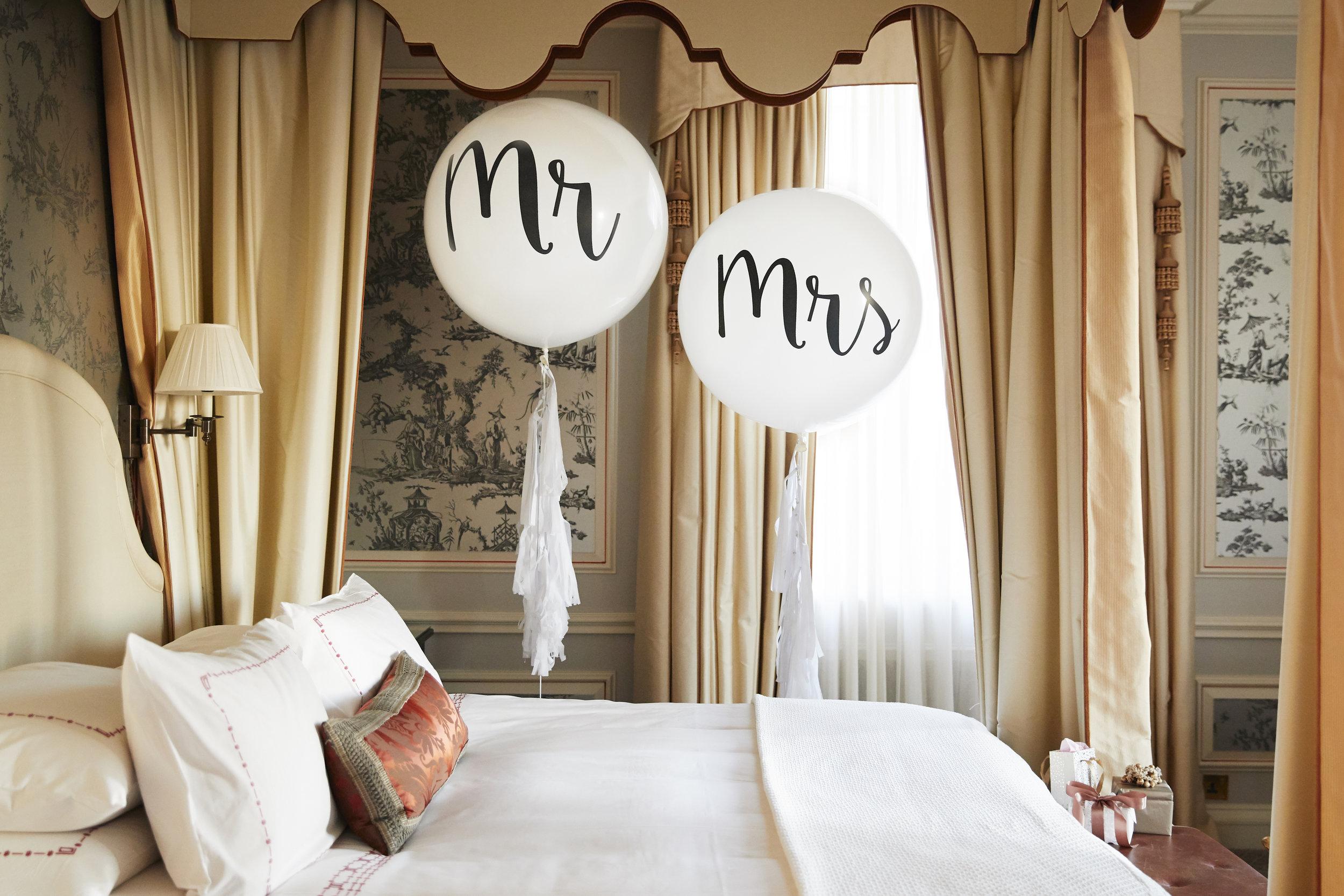 20190117-balloons-Mr&Mrs-b-hrj.jpg