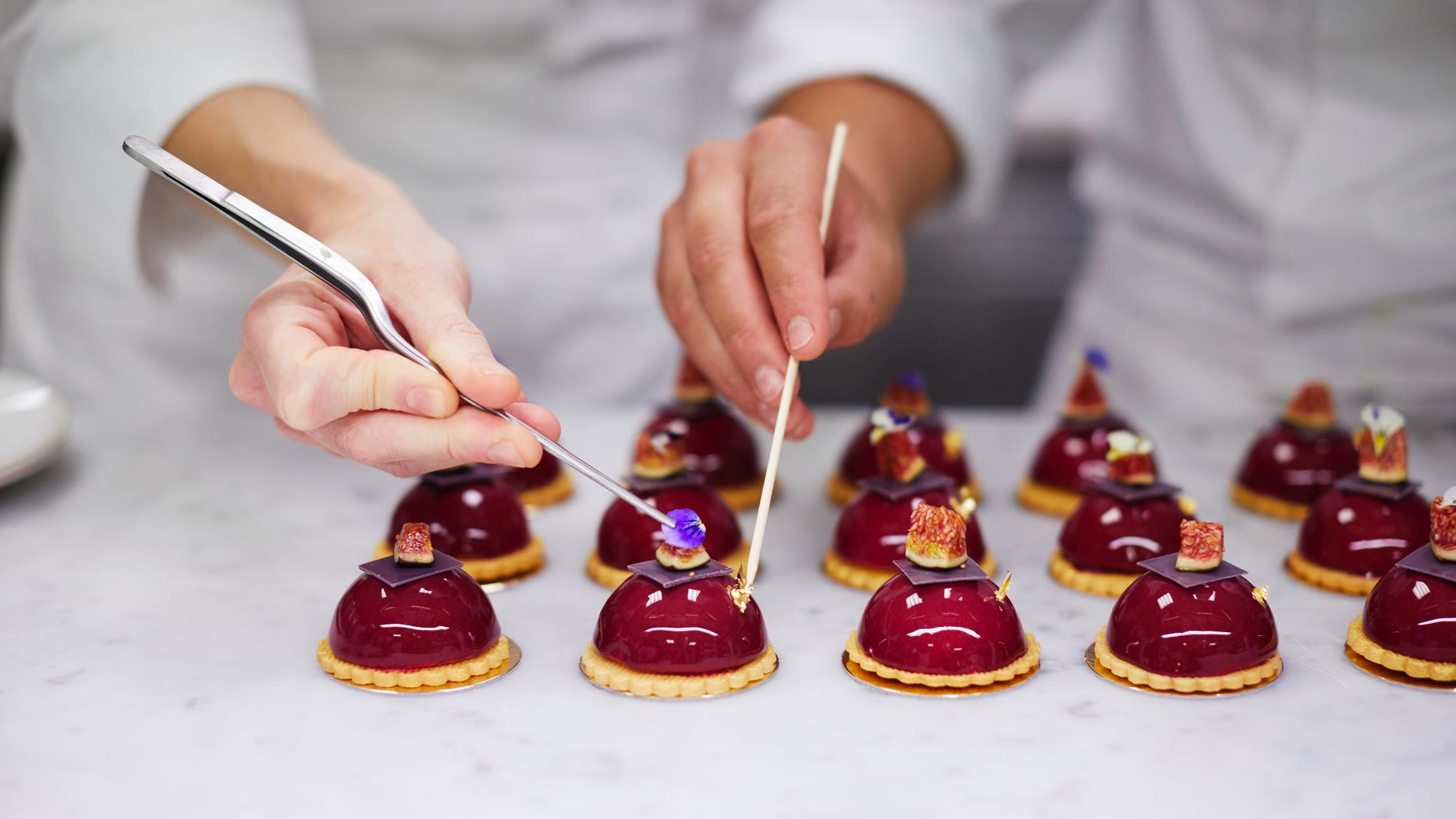 20180828-making-cakes646.jpg