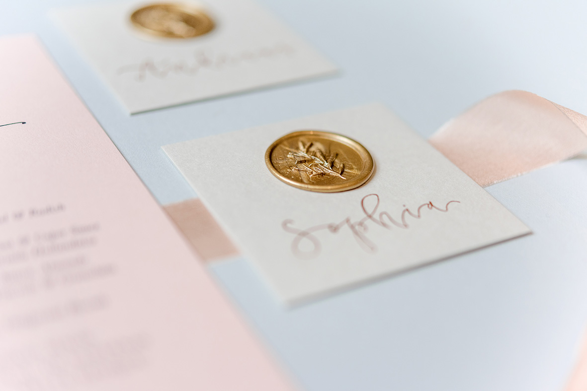 modern_romance_blush_gold_wedding_stationery_suite_4.jpg