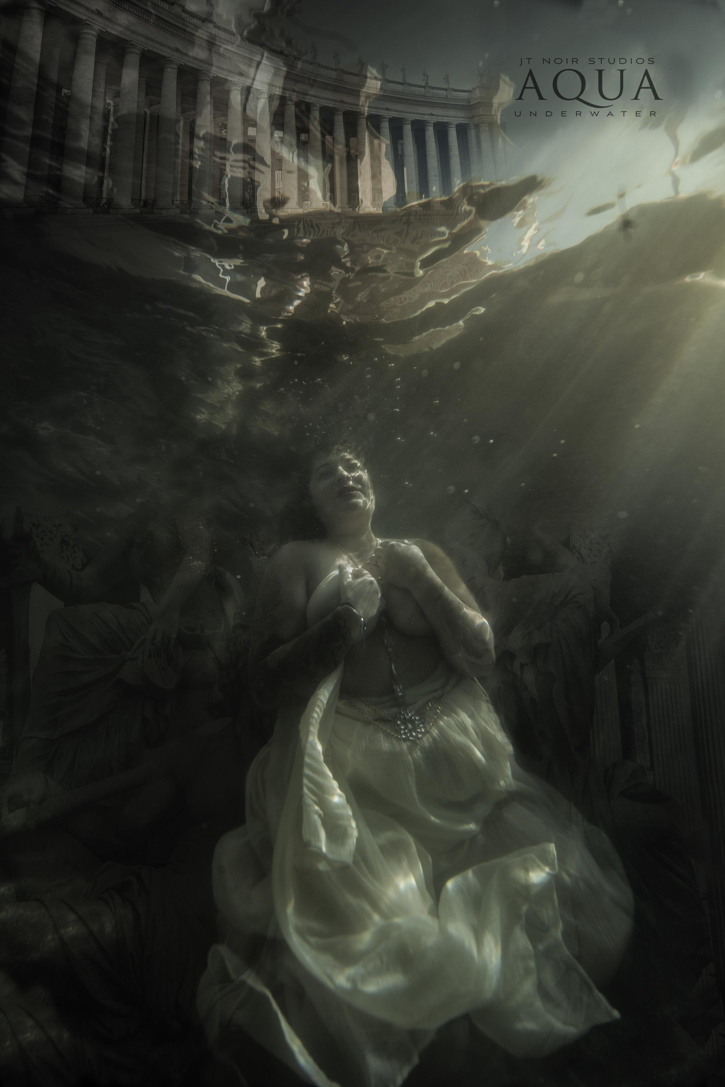 JTAqua_Underwater_Elizabeth_GreekGodess.jpg