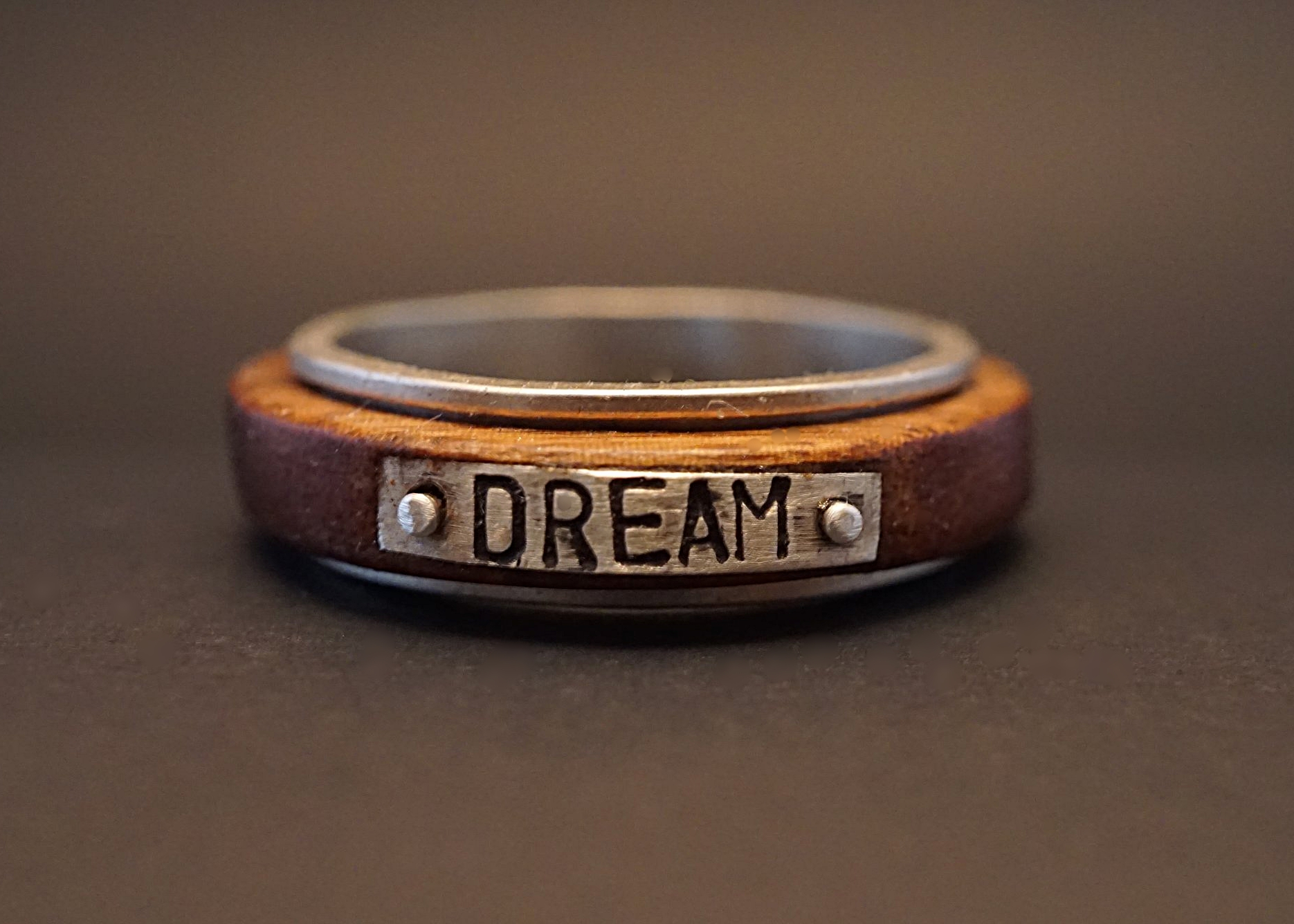 Dream spinner ring