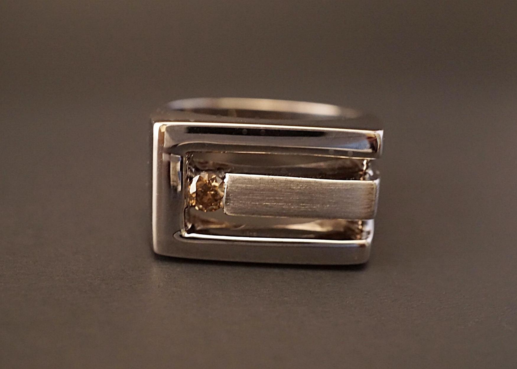 Symbolic wedding ring