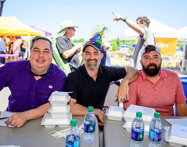 We had 38 teams to test our jambalaya-lovin' judges and they had quite a task of choosing the best. Thanks to Charles Hanagriff, @jordyculotta from @1045espn and @chefchrismotto from @mansursotb  And our Lagniappe category judges from @ochsnerhealth  COO Scott Mabry, RN Clinic Operations Manager Shelley S. Graphia and Baton Rouge CEO Eric McMillen.  #clashofthecooks