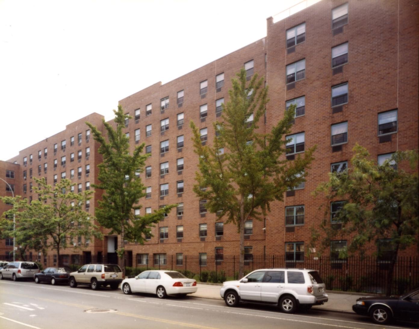 New York, Bronx,  Thessalonica Court