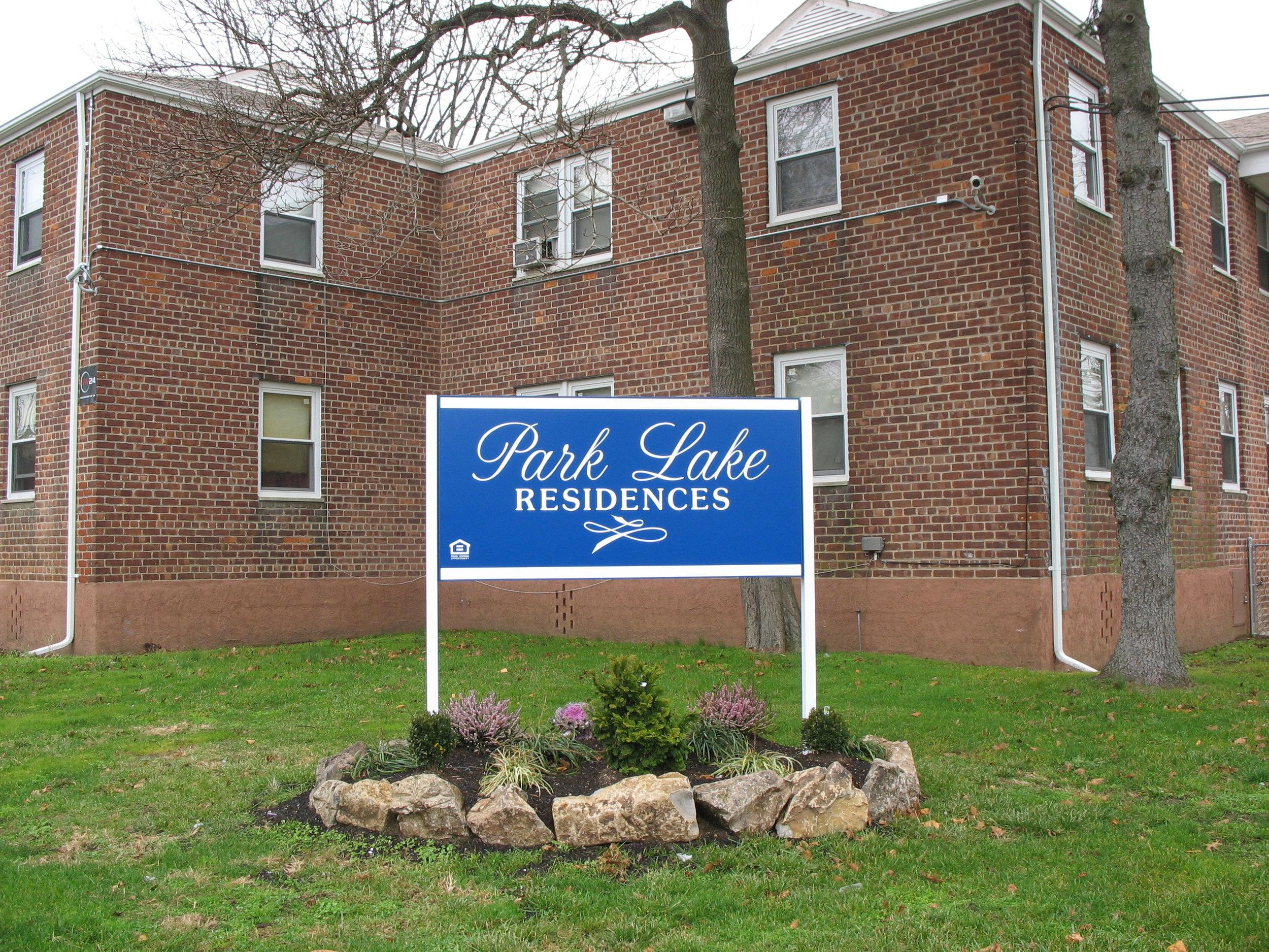Park Lake- Exterior 3.JPG
