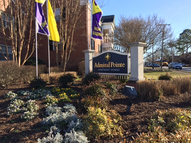 Admiral Pointe- Sign.JPG