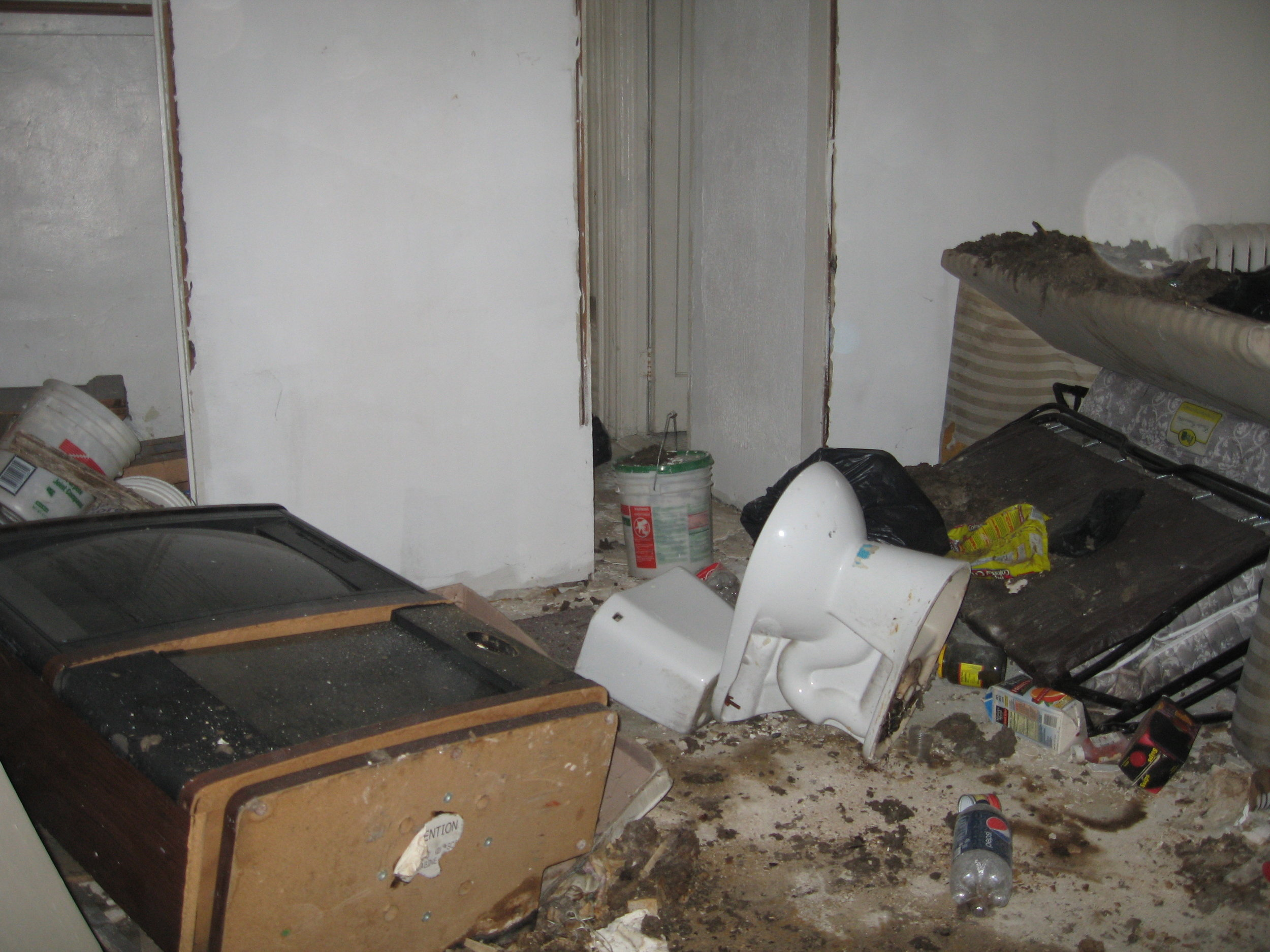 OLR MM- Living room BEFORE.JPG