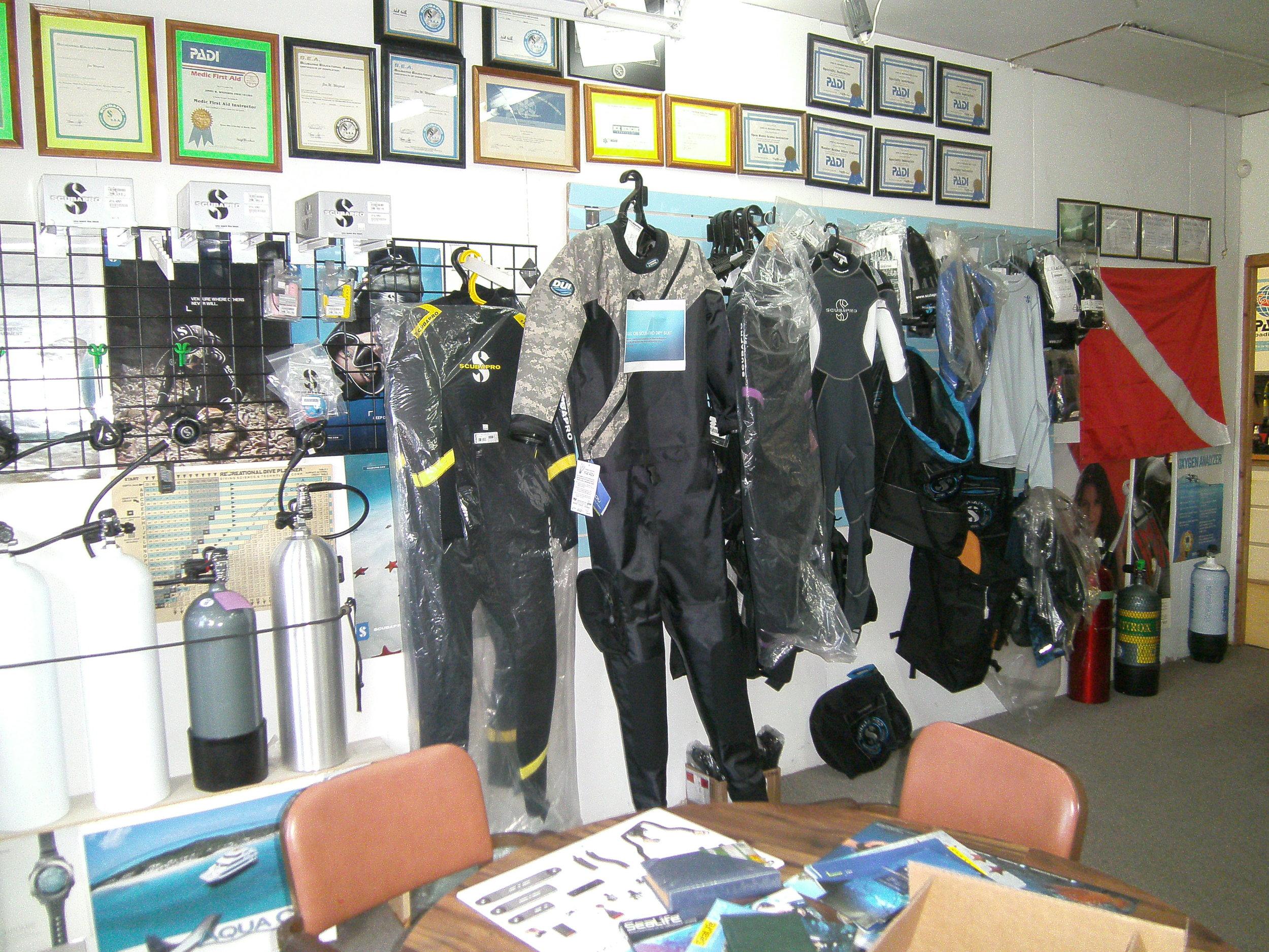 dive shop 013.JPG