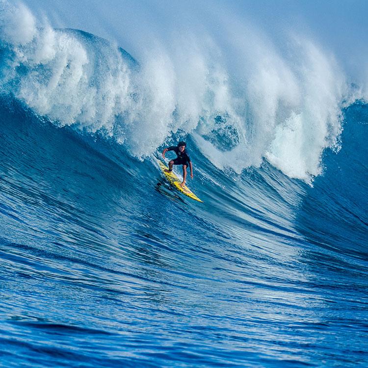 Kim-McDonald-Kai-Lenny-surfing-JAWS-o.jpg