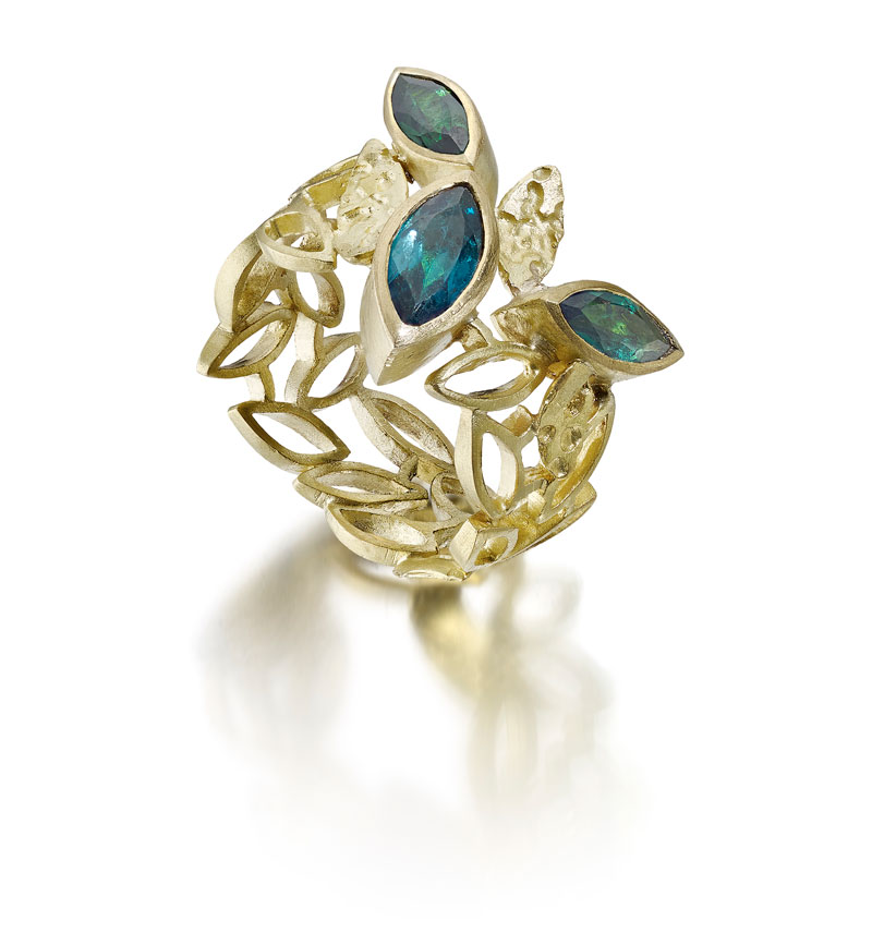18ct gold ring with indicolite tourmalines