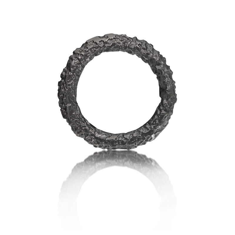 Black rhodium plated etched silver ring