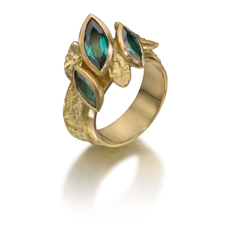 18ct gold etched ring with indicolite tourmalines