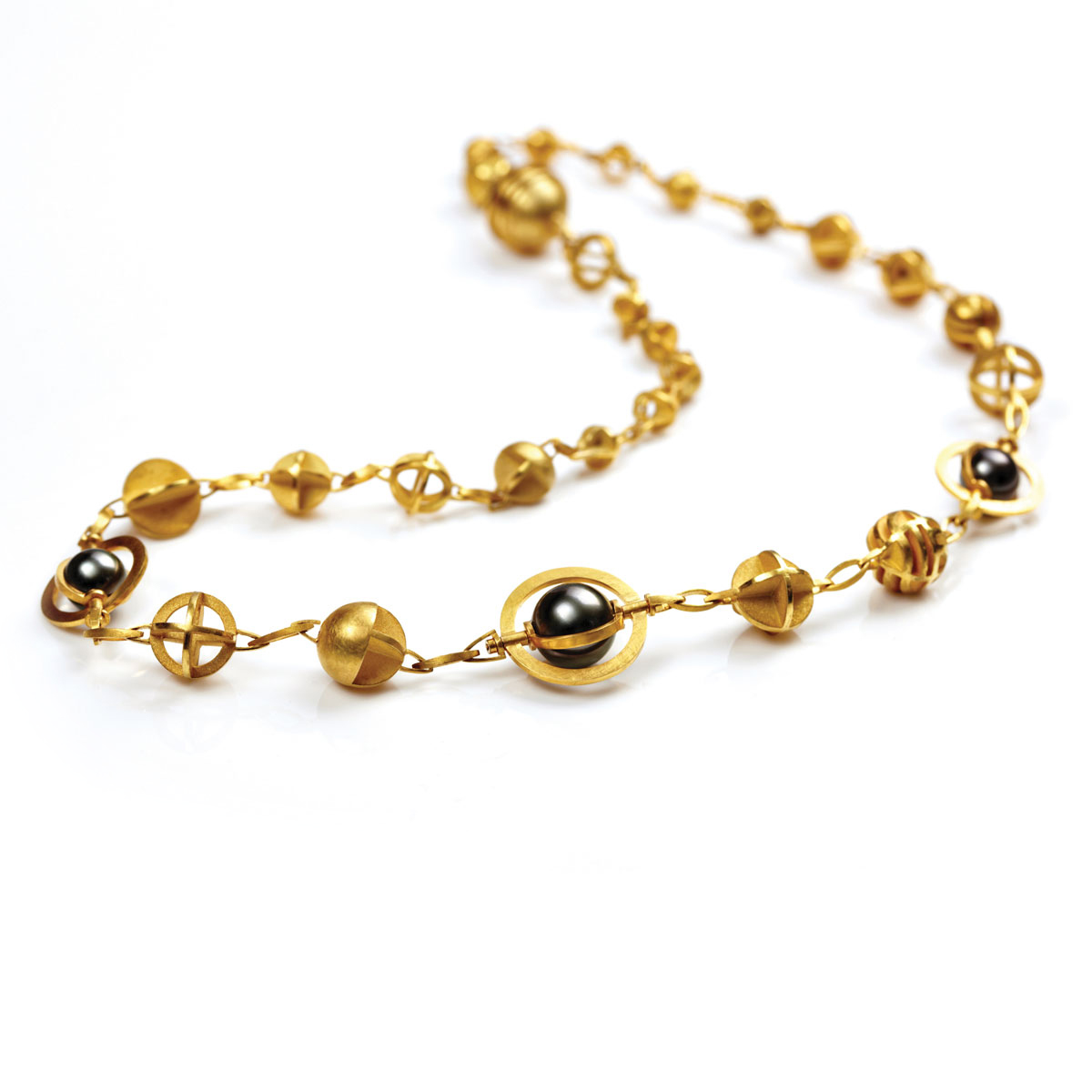 18ct gold necklace with rotating Tahitian pearls