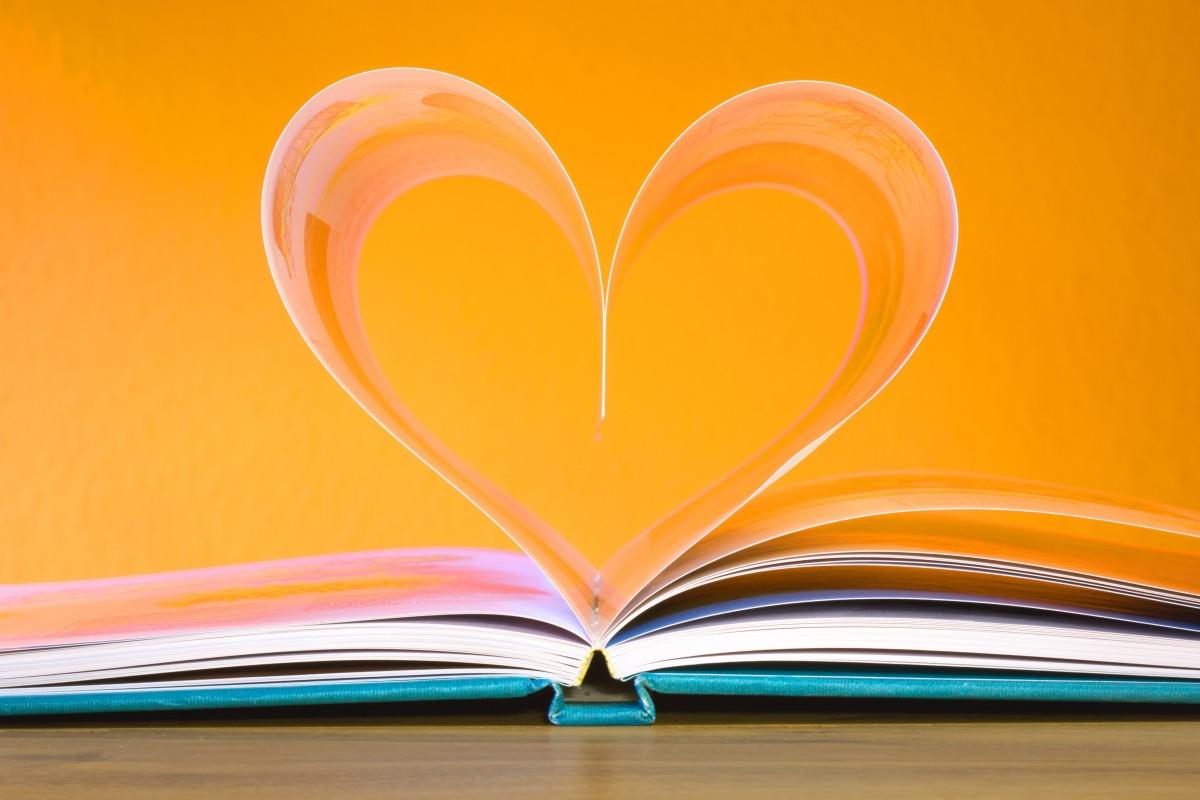 We heart books. - Readings