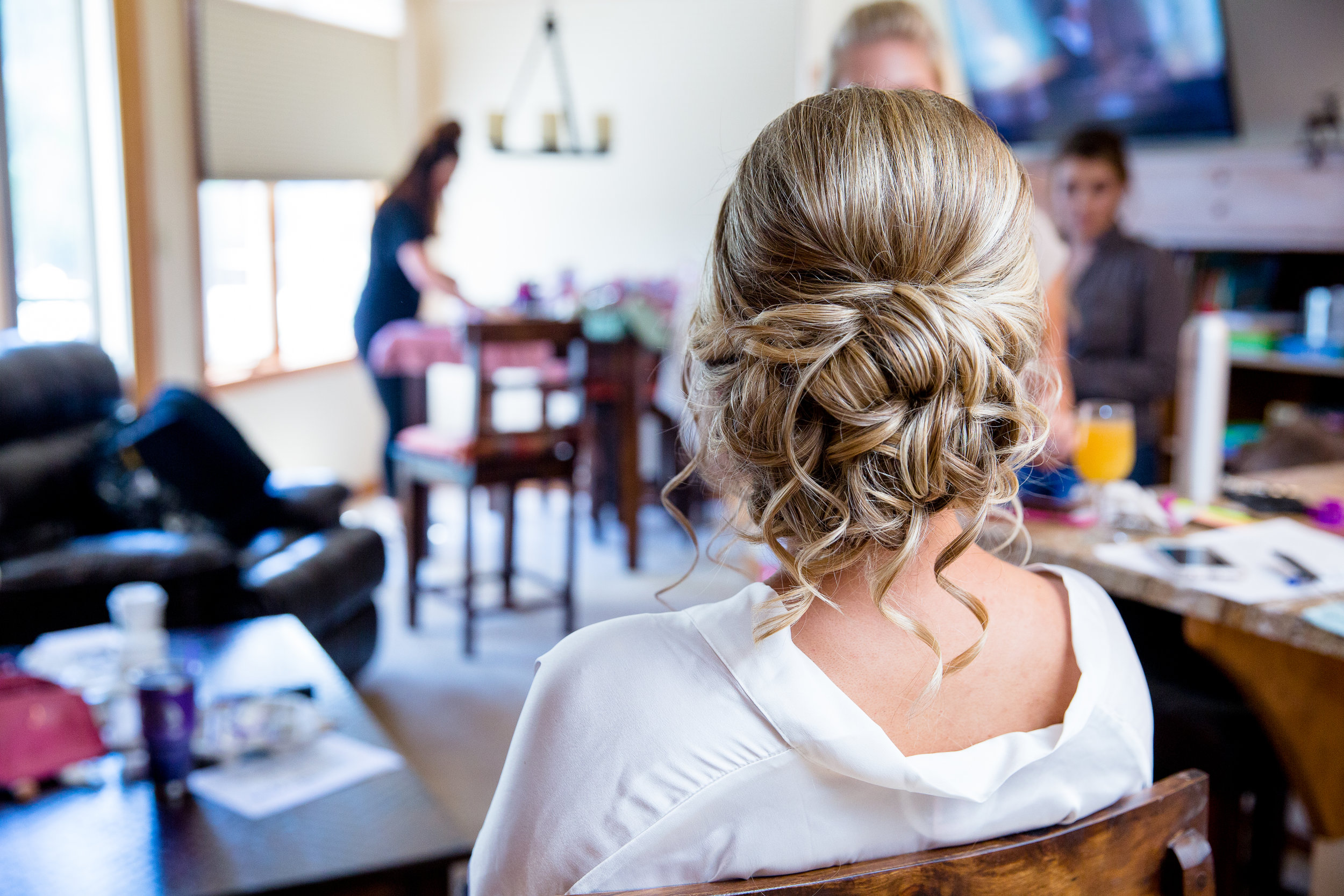 wedding-hairstylist-bridal-updo