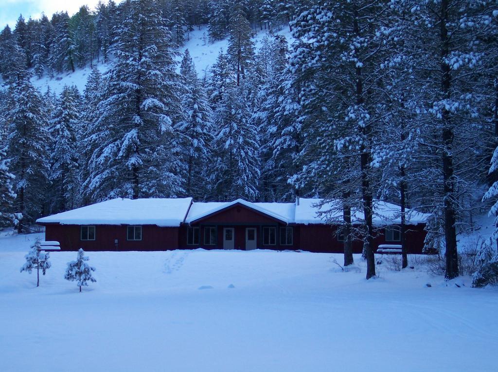Middle School & High School Winter Camp - Lazy F Camp & Retreat Center