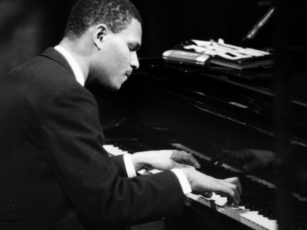 MCCOY TYNER  PHOTOGRAPHER UNKNOWN
