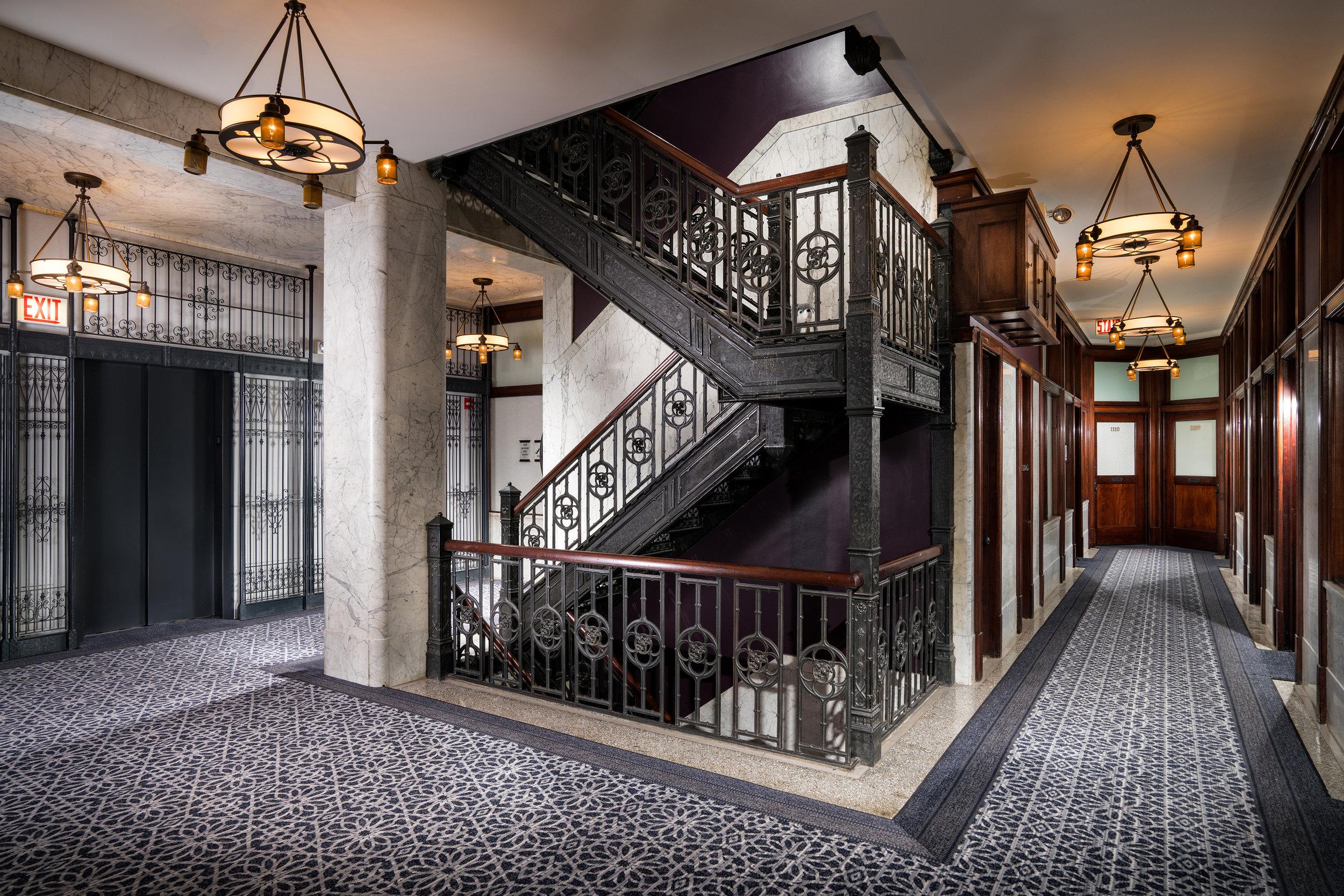 Make-No-Little-Plans-Alise-Stairs.jpg