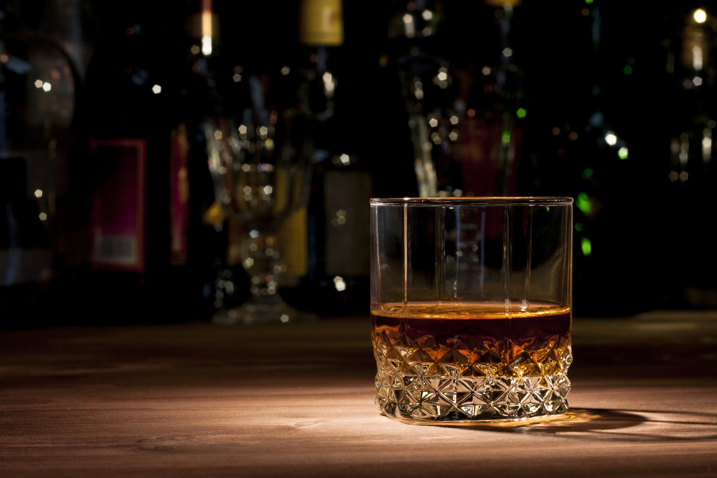 Drink-Bar-Whiskey.jpg
