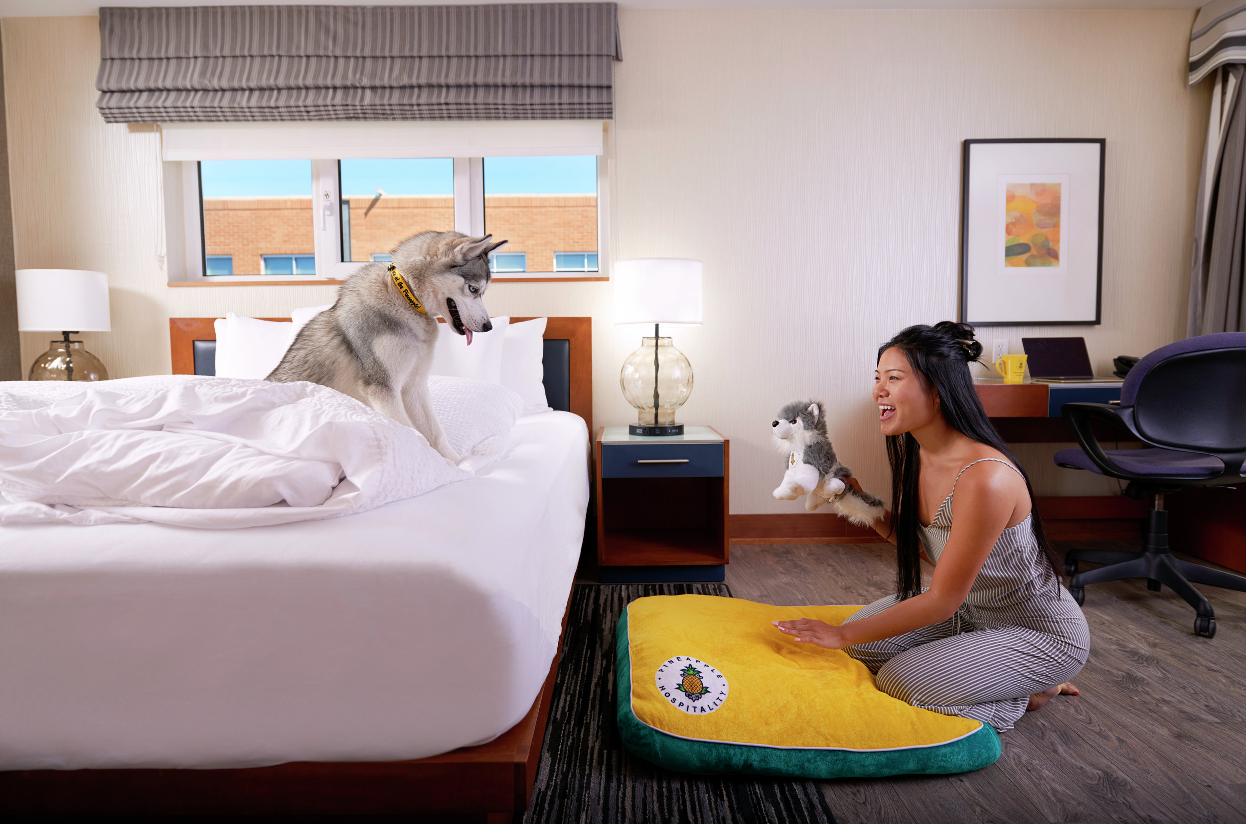 Lifestyle-2017-Girl-Dog-Husky-Room-Bed-DSC-0596-3499x2317.jpg