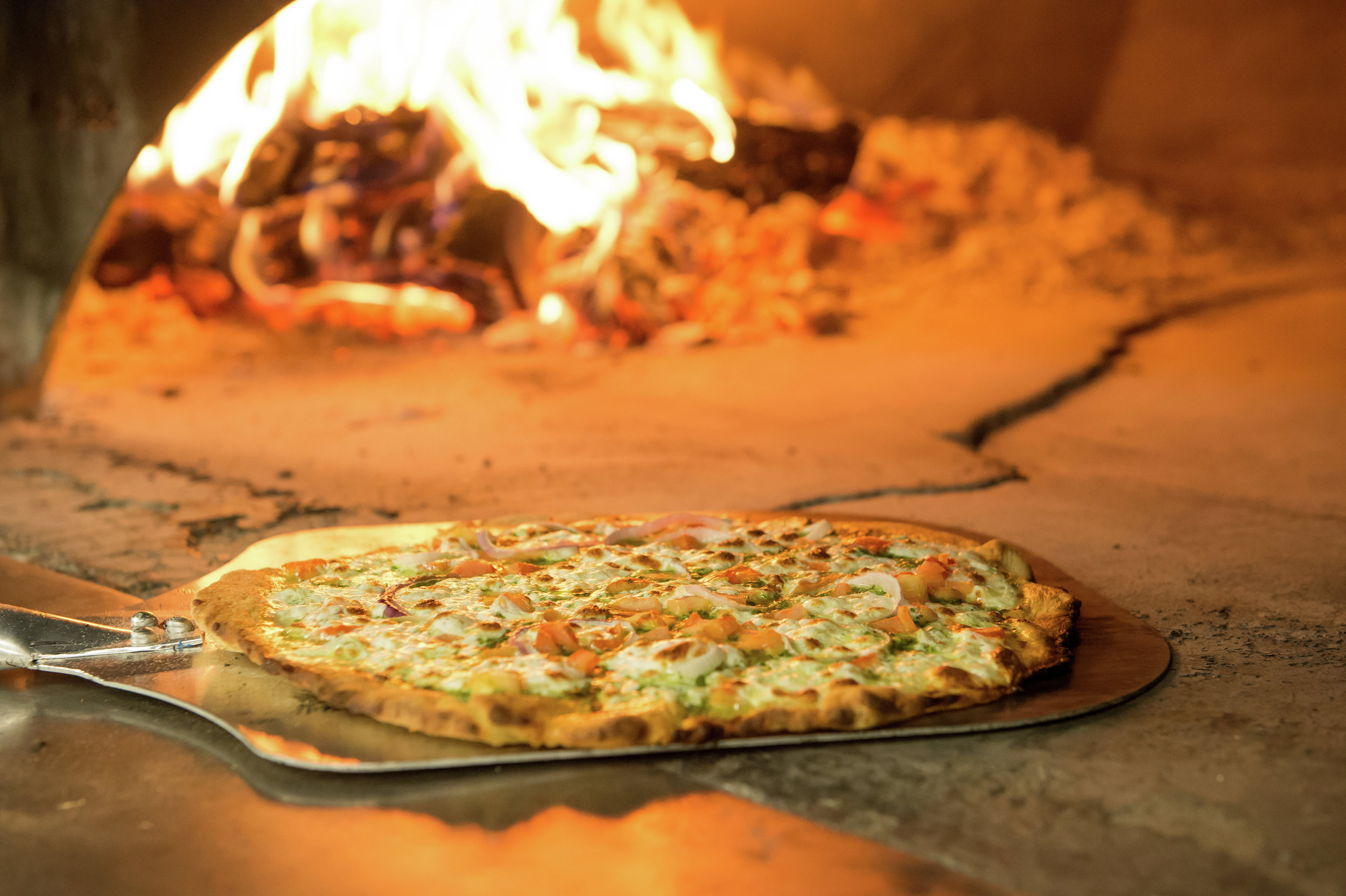 The Maxwell Hotel-Interiors-PBB-Pizza-Oven-Margarita-Pizza-3501x2329.jpg