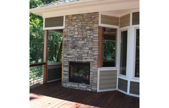 exterior_fireplace_buckingham_mcginn_construction.jpg
