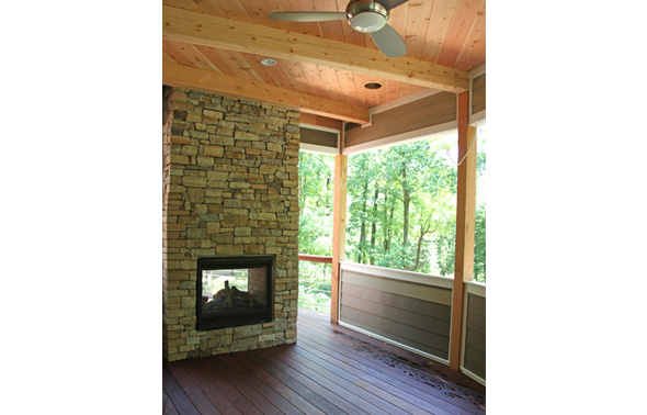 exterior_fireplace2_buckingham_mcginn_construction.jpg