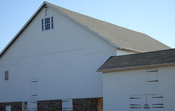 barn_close_upper_makefield_mcginn_construction.jpg