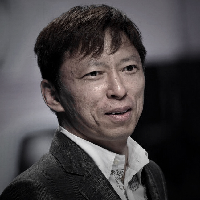 "<b style=""line-height:50px"">Charles Zhang l 张朝阳</b><br>Founder, Chairman & CEO of<br>Sohu Group, keynote speaker<br>for the 2016 Annual Conference"
